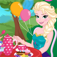 Free online flash games -  Princesses Tea Party game - Games2Dress