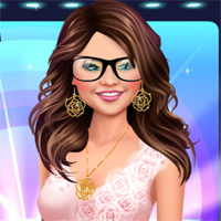 Free online flash games - Selena Showrush Makeover game - Games2Dress